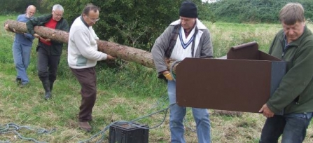 Wild About Tamworth project - installing owl box